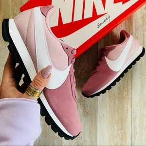 NWT Nike pre-love O.X.